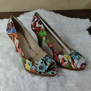 """Nine West floral print """"Danee"""" heels 10 NIB"""